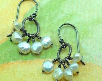 Keshi Pearls Silver Cluster Earrings / White Pearl Dangle Earrings / Oxidized Silver Pearl Earrings / Pearl Bridesmaid Earrings