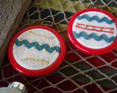 Holiday Embroidery Hoop Ornaments for Christmas