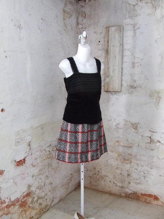 1960s Black Velvet Sleeveless Blouse Lace Small