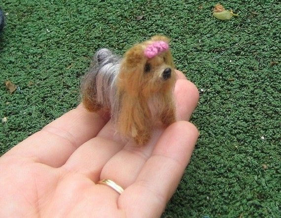 Needle Felted Dog / Custom 1/12 scale Felt Miniature Sculpture of your pet / Dollhouse size