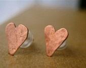 TINY HEARTS: earrings