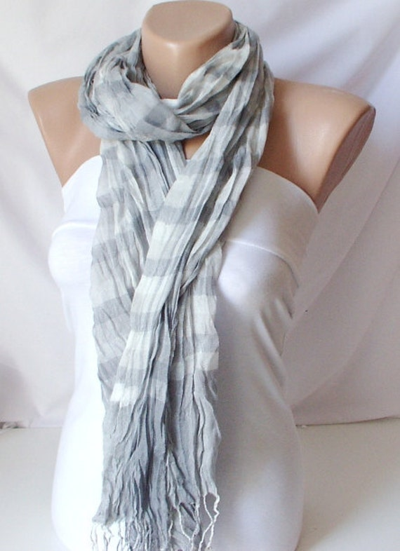 Unisex Scarf from %100 Viscone and cotton mix with plaid desing