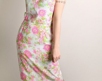 Vintage 1960s Floral Dress - Early 60s Wiggle Pink & White Day Dress with Neon Green - Flower Garden Print - Medium