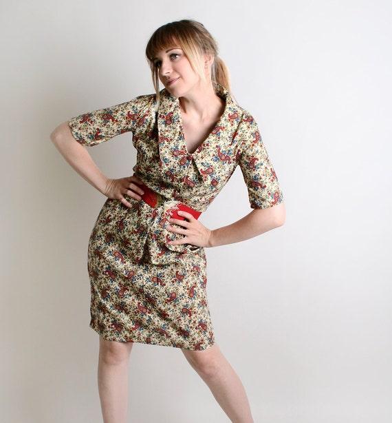 Vintage 1950s Dress - Oatmeal Cream Paisley Beige Autumn Wiggle Dress - Medium