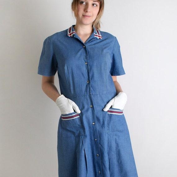 Vintage 1960s Shirtdress - Cornflower Blue Uniform Style Pocket Shirtwaist Dress - Large XL