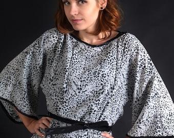 Kimono sleeve top, leopard top, kimono blouse, leopard print blouse, classy top, leopard blouse, grey shirt, MASQ