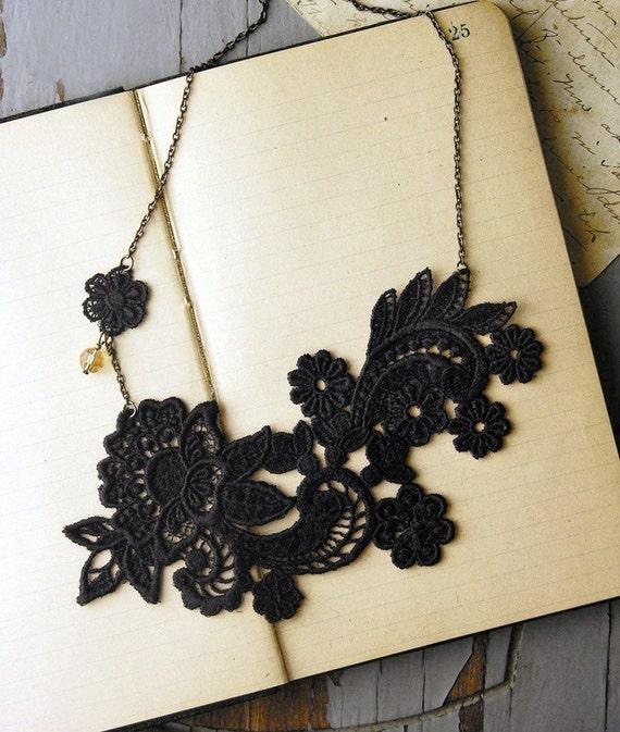 lace necklace - NOEMIE - black- statement necklace