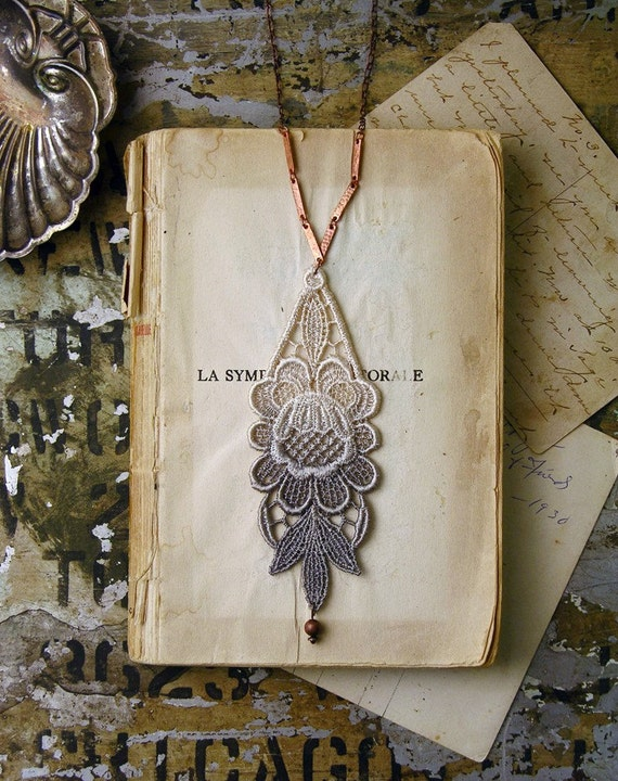 lace necklace -LUPHIA- ombre