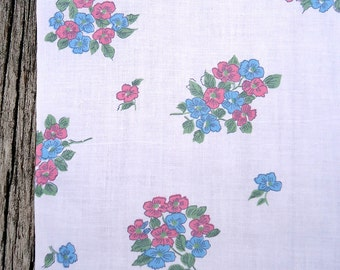 3 yards vintage 50s fabric - Belgium all cotton - sweet flower bouquets - 36w