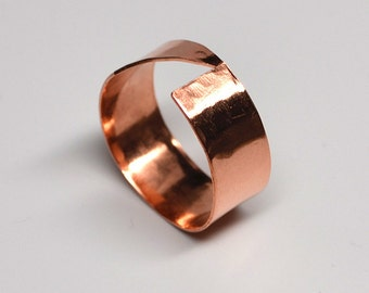 Angular wide band hammered copper ring