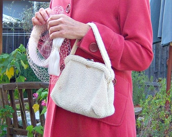 Vintage beaded handbag / cream ivory bridal purse with kiss clasp
