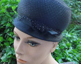 Ladies Vintage Black Hat with Netting