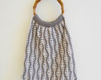 Wavy stripes crochet bag