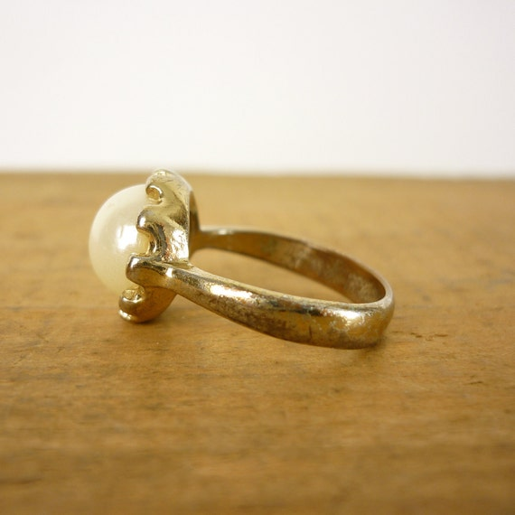 Vintage Pearl Ring - Pearl Solitaire Ring