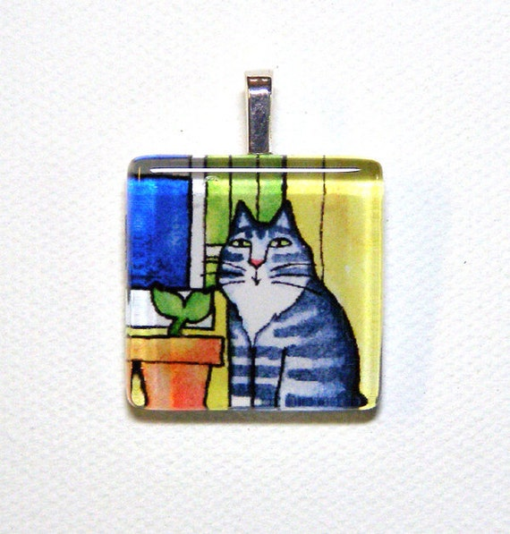 SALE... Maine Coon Tabby Cat Glass Pendant... Handcrafted Wearable Art