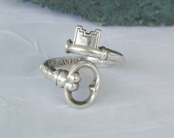 Vintage Sterling Silver Skeleton Key Bypass Spoon Ring  dmfsparkles