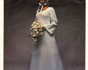 Vintage Vogue 2253 Bridal Wedding Dress Special Design High Waisted Sewing Pattern  Size 8 Bust 31.5