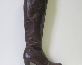 size 7.5, vintage Dark Chocolate 1970s Leather Boots with a Stacked Heel