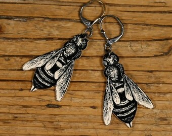 Bee Dangle Earrings - Black and White Bee - Victorian Print - Bee Keeper - Bee - Bee Jewelry - Shrink Plastic - Garden - Spring - Flowers