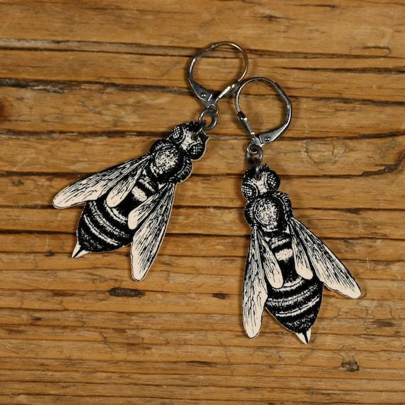 Bee Dangle Earrings - Black and White Bee - Victorian Print - Bee Keeper - Bee - Bee Jewelry - Shrink Plastic - Garden - Spring - Flowers