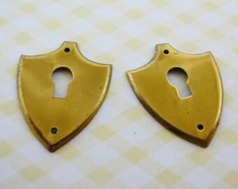Vintage .. Brass Key Hole Stamping steampunk jewelry upplies