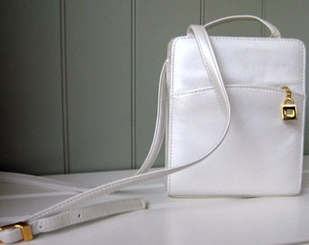 Handbag White Pearl Ivory Gold Tone Hardware