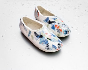 Felted wool slippers Organic wool Handmade footwear White shoes Brown Gray Black slippers Natural wool traditional valenki