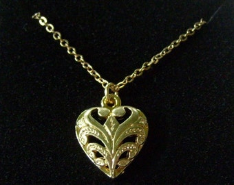 Vintage Gold Heart Pendant Necklace