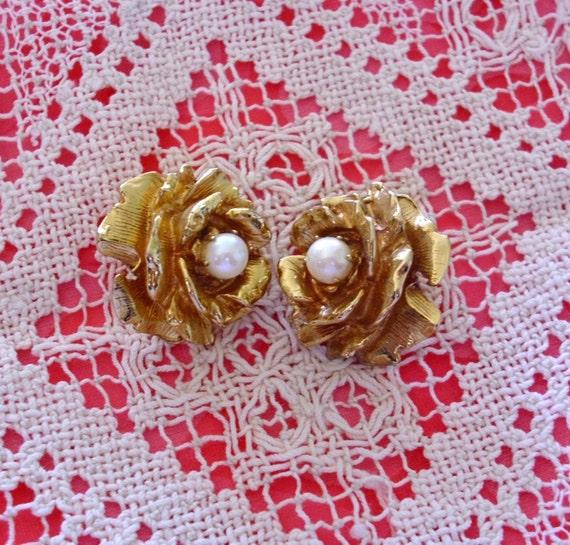 Vintage Rose With Pearl Earrings