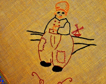 Vintage Linen DUTCH BOY Embroidered Tatted Centerpiece 18 x 19