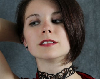 Choker Nouveau in Black Leather