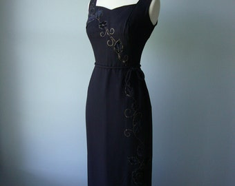 Vintage 1960s Bombshell Dress // lovely detailing