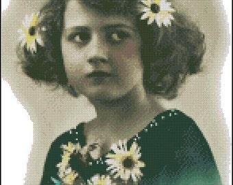 VINTAGE GIRL PHOTO cross stitch pattern No.190