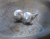 Silver studs earrings Small hammered silver post earrings