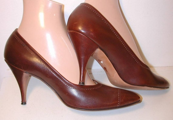 60's Sexy Delman Brown Leather Pumps Heels 9N or 8.5