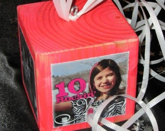 Personalized Photo Block CENTERPIECES- Photo CUBE in your school colors- Graduation Party GIFT or Party Decor- attach balloons