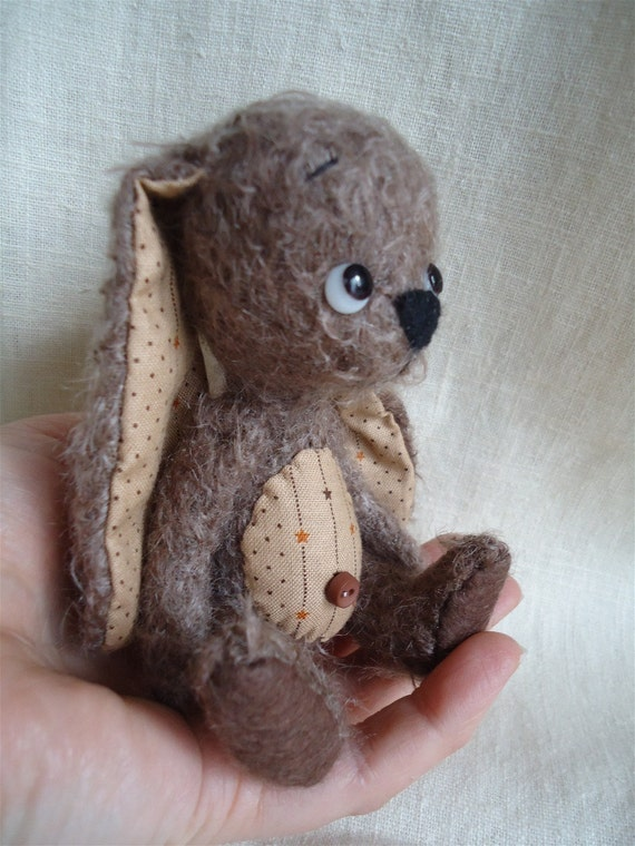 Rae a OOAK 5 inch bunny with cotton ears and tummie