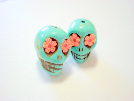 Red Stripe Flowers in Turquoise Howlite 18mm Sugar Skull Beads