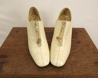 Price Reduced. Vintage 60's Leather Shoes in Cream Zipper Vamp with Tassel Pulls Cream 60's Half Boots Ankle Height Madmen Era Size 6N