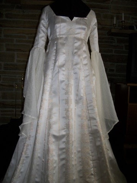 Custom made Renaissance Medieval maiden wench wedding gown dress with flowing sleeves and overlay
