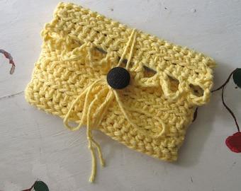 CROCHET ENVELOPE WALLET Yellow