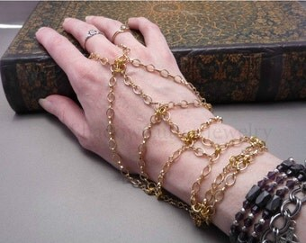 Hypoallergenic Handflower Gold tone chain Slave Bracelet, adjustable toggle clasp, ring bracelet panja hand jewelry