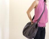 Anna in Gray messenger bag/diaper bag/shoulder bag/School bag/cross body/Purse / tote bag /women / For her - Sale Sale Sale 30%