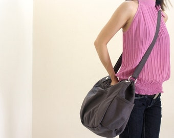 Anna in Gray messenger bag/diaper bag/shoulder bag/School bag/cross body/Purse / tote bag /women / For her - Sale Sale Sale 30%