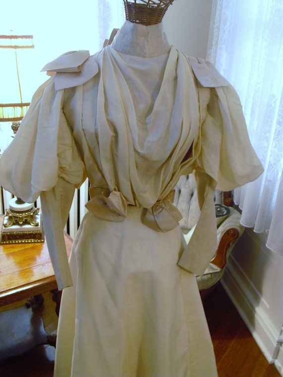 LAST REDUCTION Rare Summer Creamy White Antique 1895 Authentic Victorian Power Dress