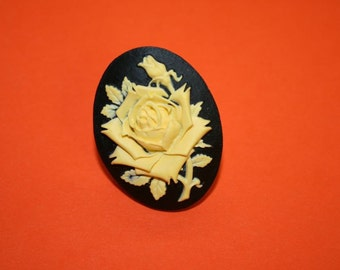 Large Yellow Rose Cameo Ring