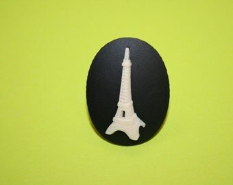 Large Eiffel Tower Cameo Ring