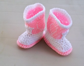 Crochet Baby Booties NEWBORN Cowgirl Booties  Baby Pink  and White Western Baby Boots Shoes