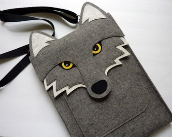 Wolf laptop case - MacBook Pro 15 inch felt case - Touch bar and Retina