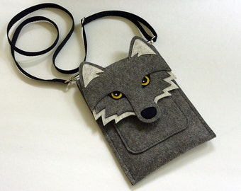 Wolf case for Kindle, Paperwhite, Voyage and Oasis // Felt e-reader case // Wolf shoulder bag